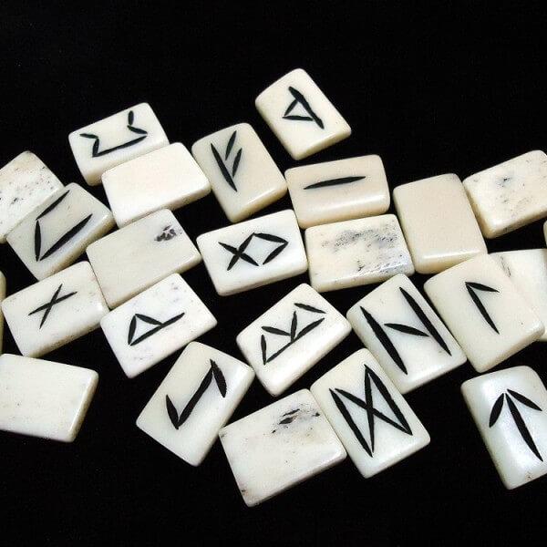 Cow bone Runes 01
