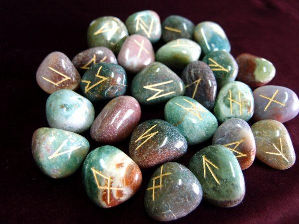 Seaweed agate Runes 01